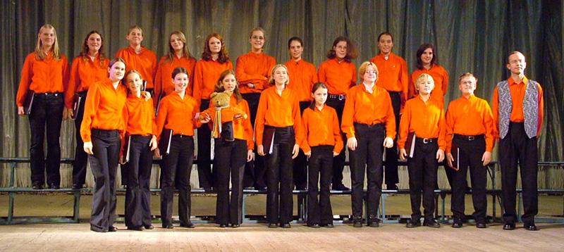 Christoph Wagner als Chorleiter 2004  mit den Gropiuslerchen Berlin in Kiew