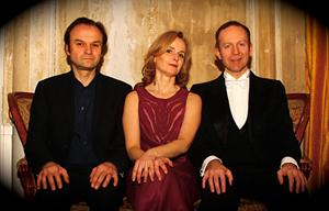 Kästner bearbeitung mit Stefan Mehren & Julia Oehring; © Enzo Zak Lux